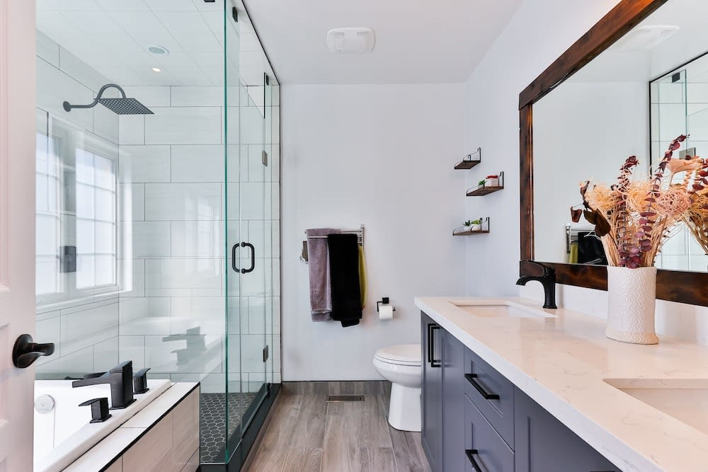 sustainable-flooring-bathroom